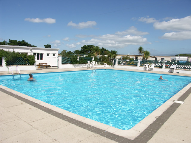 Morfa lodge holiday park gallery - Holiday lodges with swimming pools ...